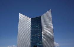 El edificio alto moderno Fotos de archivo libres de regalías