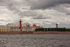 El edificio de la bolsa de acción de St Petersburg Fotos de archivo