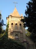 El edificio de la iglesia católica Fotos de archivo