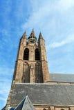 El edificio de la iglesia vieja en la cerámica de Delft, Países Bajos Fotografía de archivo libre de regalías
