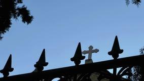El edificio de la religión del cristianismo de la iglesia almacen de metraje de vídeo