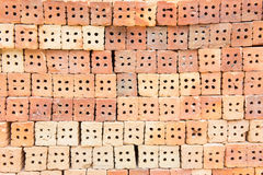 El edificio de ladrillo rojo es importante en la construcción de paredes Foto de archivo libre de regalías