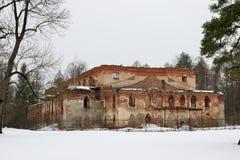 El edificio de ladrillo rojo viejo Foto de archivo libre de regalías