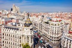 El edificio de oficinas de la metrópoli en Madrid, España foto de archivo libre de regalías