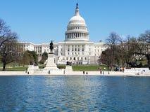 El edificio del capitolio de Estados Unidos, en Capitol Hill en Washingto imágenes de archivo libres de regalías