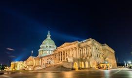 El edificio del capitolio de Estados Unidos en la noche en Washington, DC Imágenes de archivo libres de regalías
