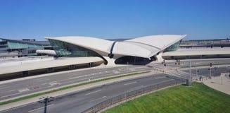 El edificio del centro del vuelo del TWA de Saarinen en el Juan F Kennedy International Airport Imagenes de archivo