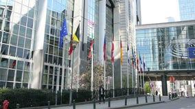 El edificio del Parlamento Europeo en Bruselas almacen de video