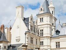 El edificio en la calle Rue de L'Espine adentro enoja Imágenes de archivo libres de regalías