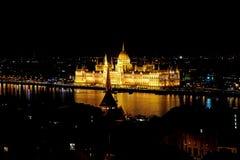 El edificio en la noche, Budapest, Hungría del parlamento Foto de archivo libre de regalías