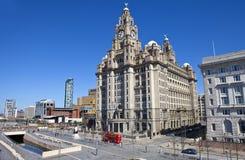 El edificio real del hígado en Pier Head en Liverpool fotos de archivo
