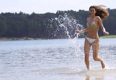 El ejecutarse en el agua Imagen de archivo
