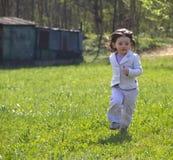 El ejecutarse en los prados Foto de archivo libre de regalías
