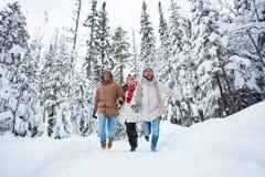 El ejecutarse en nieve Foto de archivo
