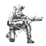 El ejemplo del bosquejo de un soldado se arrodilla abajo apuntando un arma Fotos de archivo