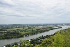 El el pequeño río pero tan muy importante para la vida Imágenes de archivo libres de regalías