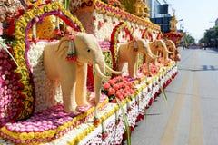El elefante se hace de las semillas de sésamo Chiang Mai Flower Festival, Tailandia Fotos de archivo