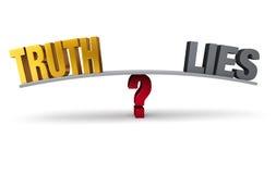 El elegir entre la verdad y las mentiras Foto de archivo libre de regalías