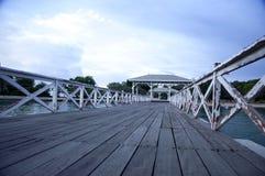 El embarcadero de madera en Srichang Fotos de archivo libres de regalías