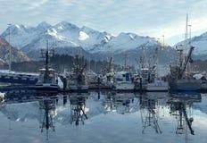 El embarcadero en la ciudad Alaska de Valdez Imágenes de archivo libres de regalías