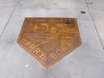 El emblema de bronce celebra el homerun 756 de Barry Bonds Imágenes de archivo libres de regalías