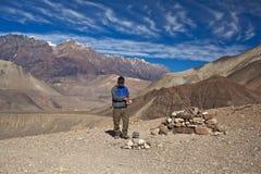 El emigrar en la región de Annapurna. Imagen de archivo libre de regalías