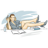 El encargado de la mujer que se sienta en una butaca en la tabla libre illustration