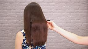 El enderezarse enfermo, cortado y sano del cuidado del cabello Antes y despu?s del tratamiento metrajes