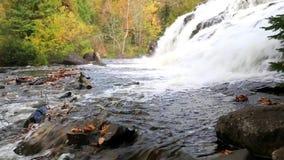 El enlace cae en el otoño - Munising Michigan almacen de metraje de vídeo