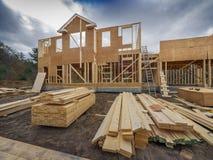 El enmarcar de la construcción de la nueva casa Imagen de archivo