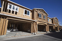 El enmarcar multi de la construcción de la vivienda familiar Imagen de archivo