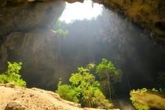 El entrar ligera en la cueva de Phraya Nakhon Fotografía de archivo libre de regalías