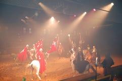 El entrenamiento medieval de los caballos de la demostración de los caballeros Foto de archivo libre de regalías