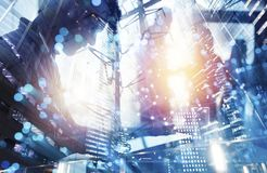 El equipo de persona del negocio trabaja junto Concepto de trabajo en equipo Exposici?n doble stock de ilustración