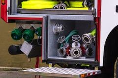 El equipo de seguridad contra incendios en un borrado agrupa el vehículo fotografía de archivo libre de regalías