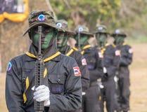 El equipo del sello de la marina de guerra realiza el entrenamiento para el combate en el desfile militar de Roy fotografía de archivo libre de regalías