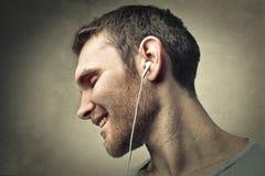 El escuchar la música Imagenes de archivo