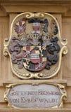 El escudo de armas de la fachada en el centro histórico de Landhaus enumeró como patrimonio mundial de la UNESCO en Graz Foto de archivo