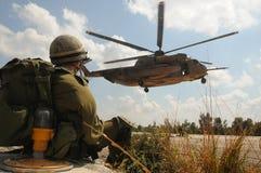 El esperar al helicóptero Fotografía de archivo