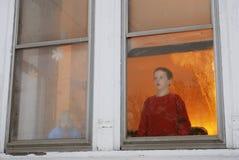El esperar de dos niños Foto de archivo