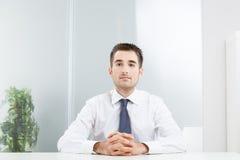 El esperar del hombre de negocios Fotografía de archivo