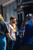 El esperar en la muchedumbre Fotografía de archivo libre de regalías