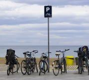 El estacionar en la playa Imagen de archivo