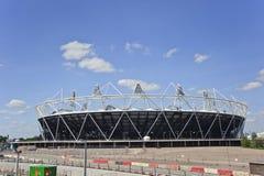 El estadio 2012 de las Olimpiadas de Londres acerca a la terminación Imagen de archivo