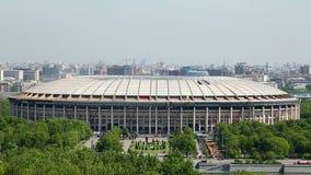 El estadio de Luzhniki adentro puede, en Moscú la visión desde el top en Moscú 2018 almacen de metraje de vídeo