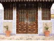 El estilo de la puerta puede variar con Fotos de archivo