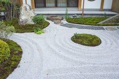 El estilo japonés kamakura Japón del jardín de piedras del zen Fotos de archivo