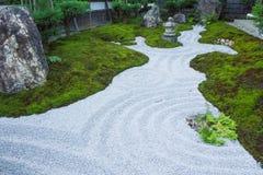 El estilo japonés kamakura Japón del jardín de piedras del zen Foto de archivo