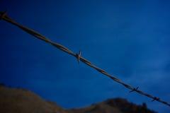 Ascendente cercano del alambre de púas Foto de archivo libre de regalías