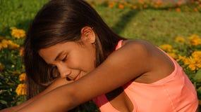 El estirar adolescente apto Foto de archivo libre de regalías
